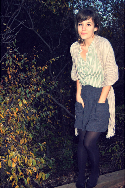 gray American Apparel skirt - green silence and noise at uo shirt - beige Urban