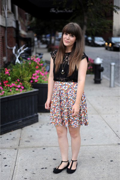 black modcloth flats - black vintage top - tawny Forever 21 skirt