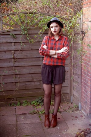 H&M shirt - H&M hat - Zara shorts