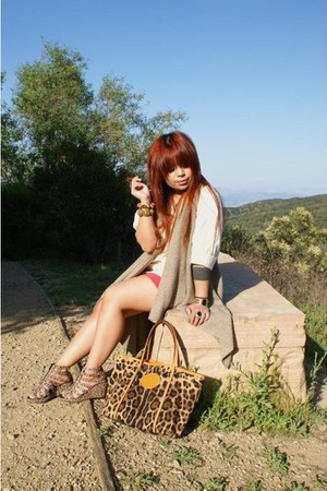 orange Dolce & Gabbana bag - brown H&M heels