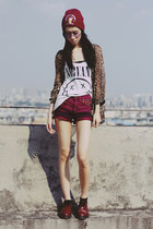 Dr Martens shoes - Bershka shorts - H&M top
