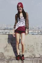 Dr Martens shoes - Bershka shorts - H&M top