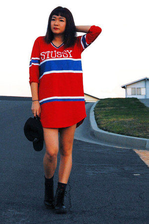 red jersey Stussy top - black doc martens boots