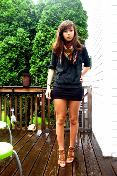 red Vintage YSL scarf - brown Nine West shoes - black American Apparel dress