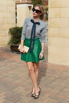 leather Lulus skirt - bow asos sweater - cat eye house of harlow sunglasses
