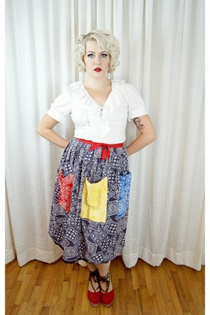navy vintage 1950s skirt - white banana republic blouse