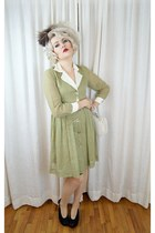 eggshell ostrich feather vintage 1940s hat - lime green vintage 1940s dress