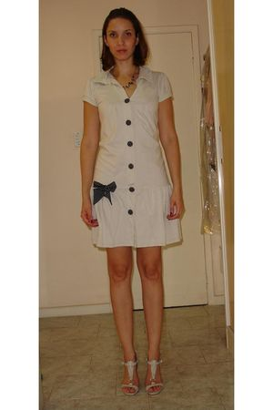 beige Teresopolis dress - beige Sapatela shoes - black c&amp;a accessories