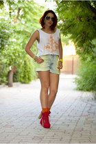 white BAD style top - chartreuse Levis shorts - bronze Ray Ban sunglasses