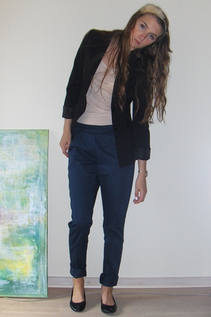 blue chino samsoesamsoe pants - black ballet flats H&amp;M shoes
