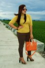 Carrot-orange-elements-bag-mustard-gifted-blouse-dark-brown-apartment-pants