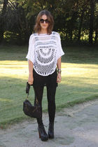 white Seventh Door sweater - black alternative top - black Seventh Door leggings