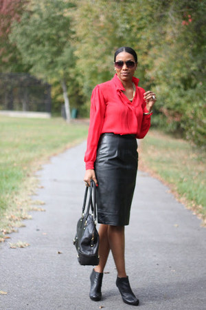 black Walter Steiger boots - black peplum Zara jacket - banana republic bag