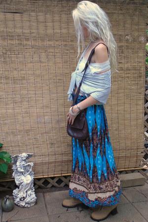 sky blue boho print Garden Ridge skirt - tan lace vintage boots