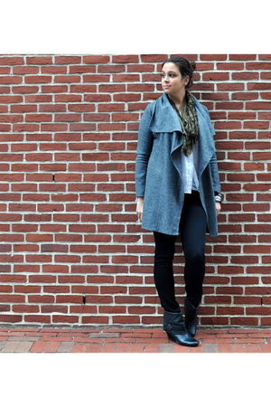 gray Piko 1988 jacket - white madewell blouse - black JBrand jeans