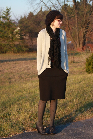 Meijer hat - Meijer scarf - Silence & Noise sweater - f21 skirt - tights - DSW s