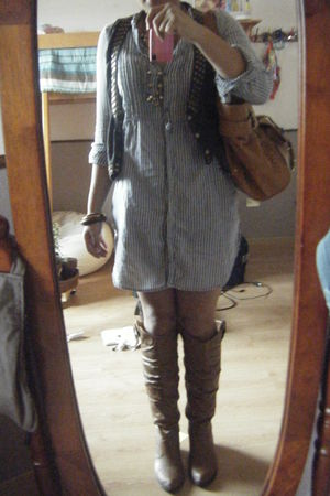 blue Zara dress - beige Forever21 boots - brown Bershka belt