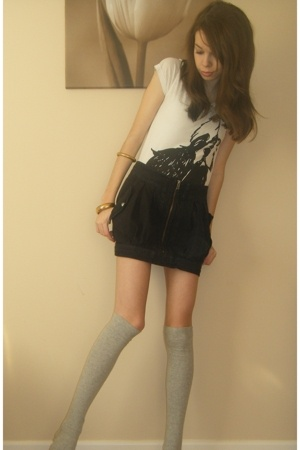 t-shirt - skirt - socks