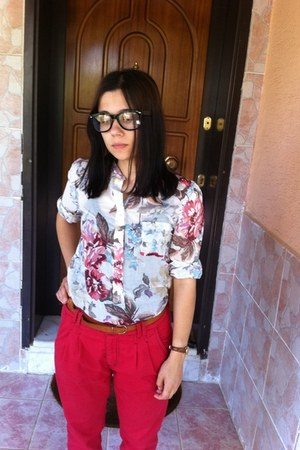Bazaar glasses - CITIZEN watch - Zara blouse - Bershka pants - Stradivarius belt