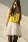 Yellow-shirt-light-pink-skirt