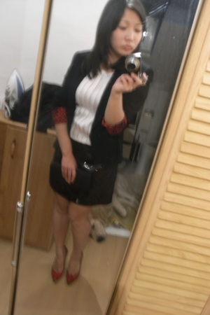 Italy shoes - Zara blazer - H&M blouse - H&M skirt