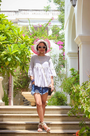 Chicwish sandals - Oasapcom shorts - Zara sunglasses - Chicwish top
