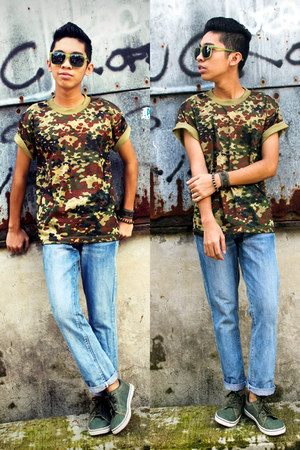 army green camo thrifted top - sky blue denim Diesel jeans