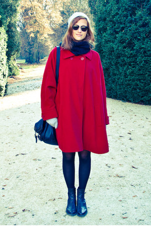 red cape - dark brown Bata shoes - heather gray Cubus hat - black H&amp;M scarf