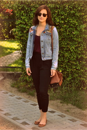 blue denim floral River Island jacket - bronze Primark bag