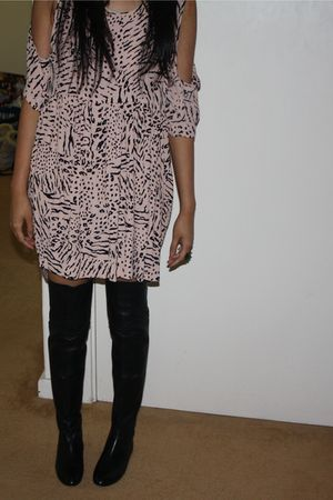 pink Shakuhachi dress - black Witchery boots