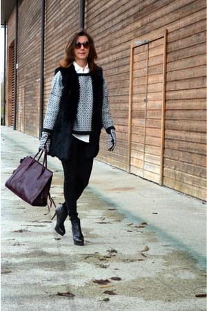 fur vest Suncoo coat - stuart weitzman boots - Suncoo sweater - Zara leggings