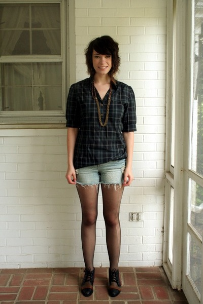 Anthropologie top - Macys shorts - Duo shoes - Urban Outfitters necklace