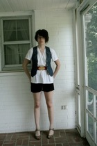 Hanes XL mens t-shirt - Urban Outfitters vest - TJ Maxx belt - Urban Outfitters