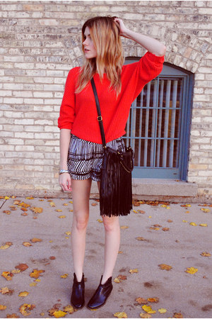 Zara sweater - Steve Madden boots - fringes Francescas Collections bag