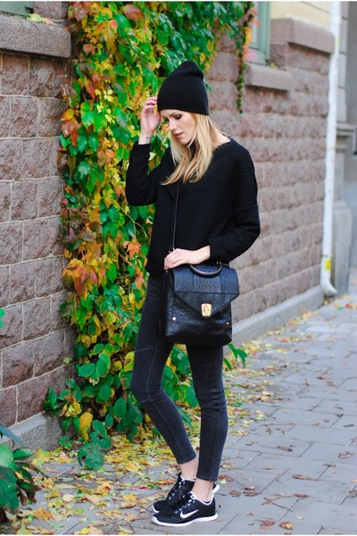 Nila Anthony bag - quilted Mango sweater - Zara pants - nike sneakers