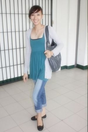 blue Meg top - gray Terranova cardigan - gray mirrormirror from Rustans accessor