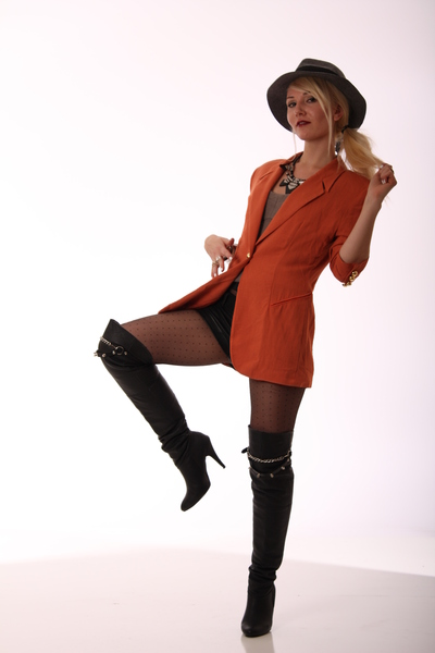 orange Blonde Caviar blazer - black Blonde Caviar boots