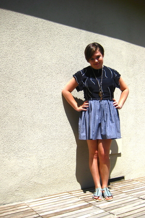 American Apparel skirt - flea market shirt - flea market necklace - Urban Outfit