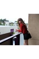 black skull crossbody Tobi Online bag - red cropped sweater Forever 21 sweater