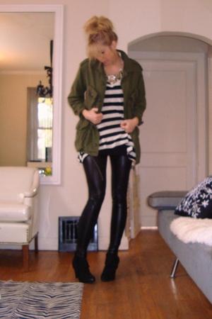vintage jacket - leggings - boots - t-shirt - necklace