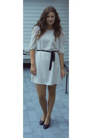 beige dress - black shoes - black purse