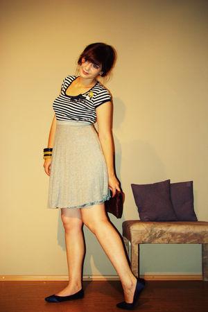 blue Fransa FRN second-hand t-shirt - gray VERO MODA second-hand skirt - blue ra