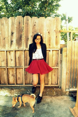 ruby red Forever21 skirt - vintage shoes - H&M blazer - Forever21 top