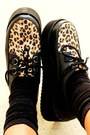 Black-leoprd-creepers-oasap-shoes-silver-spikes-romwecom-hat