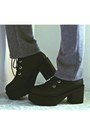 Black-platform-ankle-romwecom-boots-gray-pocketed-harem-romwecom-pants