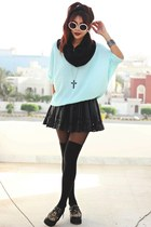 black cross Romwecom necklace - brown OASAP shoes