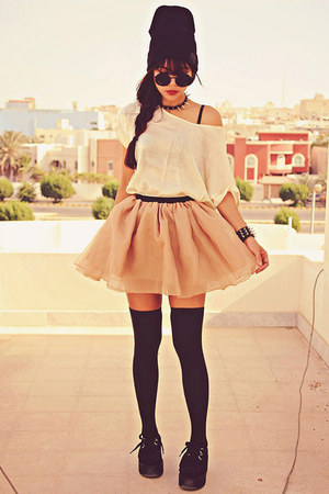 nude Romwecom skirt - black creepers choiescom shoes