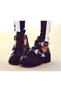 Black-platform-luluscom-boots-white-boy-london-sheinsidecom-sweater