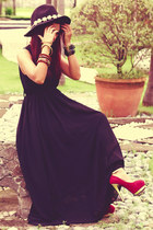 black pleated maxi stylishplusCom dress - gold double knuckle etsycom ring