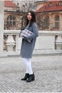 Black-reserved-boots-heather-gray-diy-coat-white-diy-bag